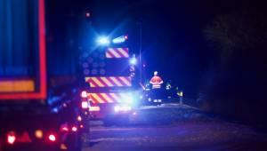 Uheld på motorvej: Først ramte bilen midterrabatten